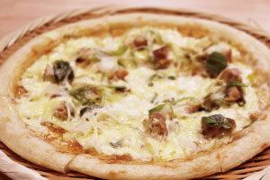テリヤキチキン蒸しピザ